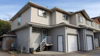 """Photo 1: 11 39754 GOVERNMENT Road in Squamish: Northyards Townhouse for sale in """"Maple Tree Court"""" : MLS®# R2562996"""
