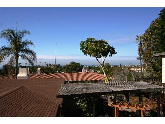 Main Photo: Residential for sale : 4 bedrooms : 348 Arroyo in Encinitas