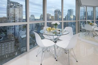 """Photo 11: 1907 1188 HOWE Street in Vancouver: Downtown VW Condo for sale in """"1188 Howe"""" (Vancouver West)  : MLS®# R2125945"""