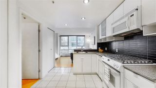 "Photo 2: 506 928 BEATTY Street in Vancouver: Yaletown Condo for sale in ""The Max"" (Vancouver West)  : MLS®# R2537439"