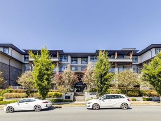 """Photo 1: 305 617 SMITH Avenue in Coquitlam: Coquitlam West Condo for sale in """"The Easton"""" : MLS®# R2599277"""