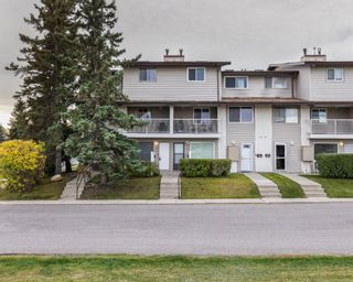 Main Photo: 121 200 Brookpark Drive SW in Calgary: Braeside Row/Townhouse for sale : MLS®# A1149402