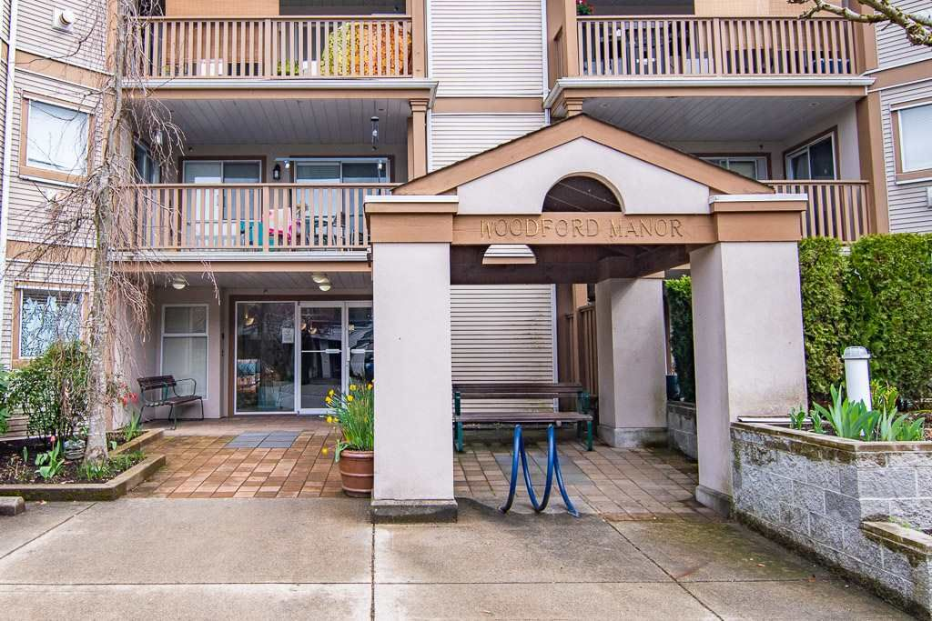 """Main Photo: 108 19131 FORD Road in Pitt Meadows: Central Meadows Condo for sale in """"Woodford Manor"""" : MLS®# R2452935"""