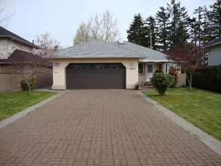 """Photo 3: 19036 64TH Avenue in Surrey: Cloverdale BC House for sale in """"CLAYTON HILL"""" (Cloverdale)  : MLS®# F1409309"""