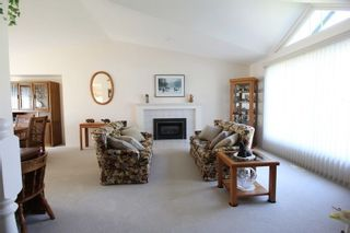 """Photo 2: 4620 220 Street in Langley: Murrayville House for sale in """"Murrayville"""" : MLS®# R2282057"""