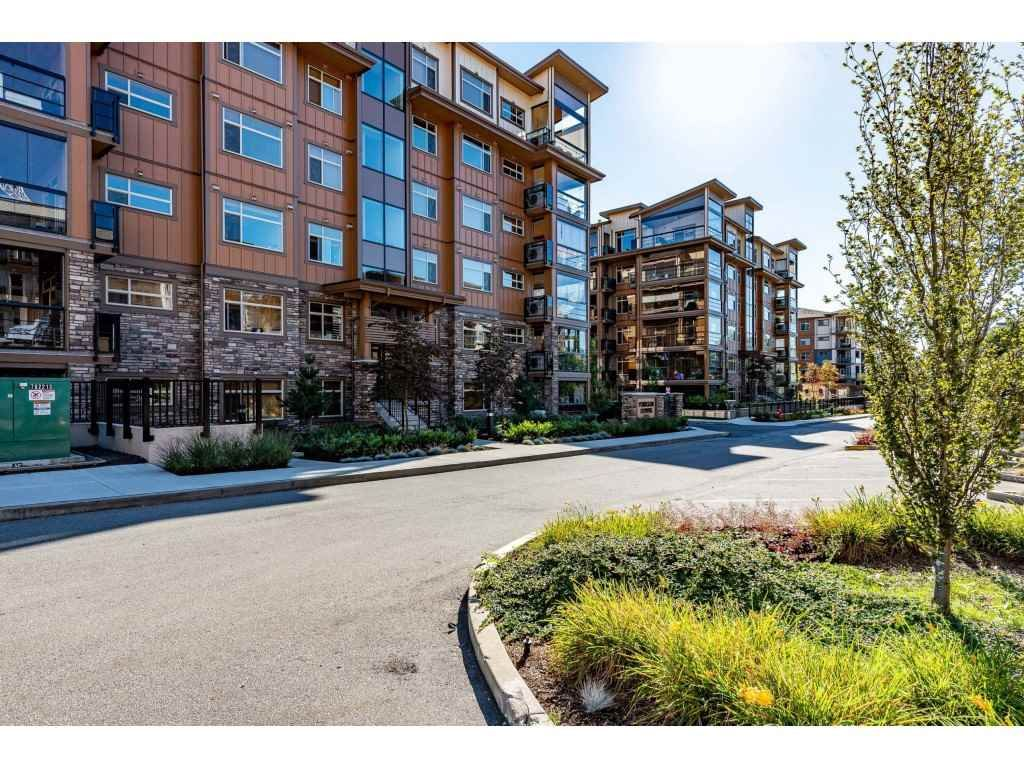 """Photo 2: Photos: A110 20716 WILLOUGHBY TOWN CENTRE Drive in Langley: Willoughby Heights Condo for sale in """"Yorkson Downs"""" : MLS®# R2491391"""