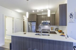 Photo 16: 802 2789 SHAUGHNESSY Street in Port Coquitlam: Central Pt Coquitlam Condo for sale : MLS®# R2234672