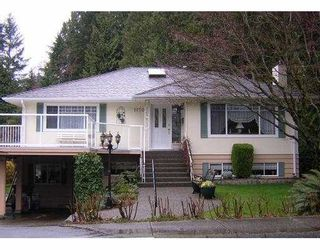 Photo 1: 1150 HANDSWORTH RD in North Vancouver: Canyon Heights NV House for sale : MLS®# V592602