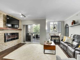 """Photo 2: 201 2665 W BROADWAY in Vancouver: Kitsilano Condo for sale in """"MAGUIRE BUILDING"""" (Vancouver West)  : MLS®# R2580256"""