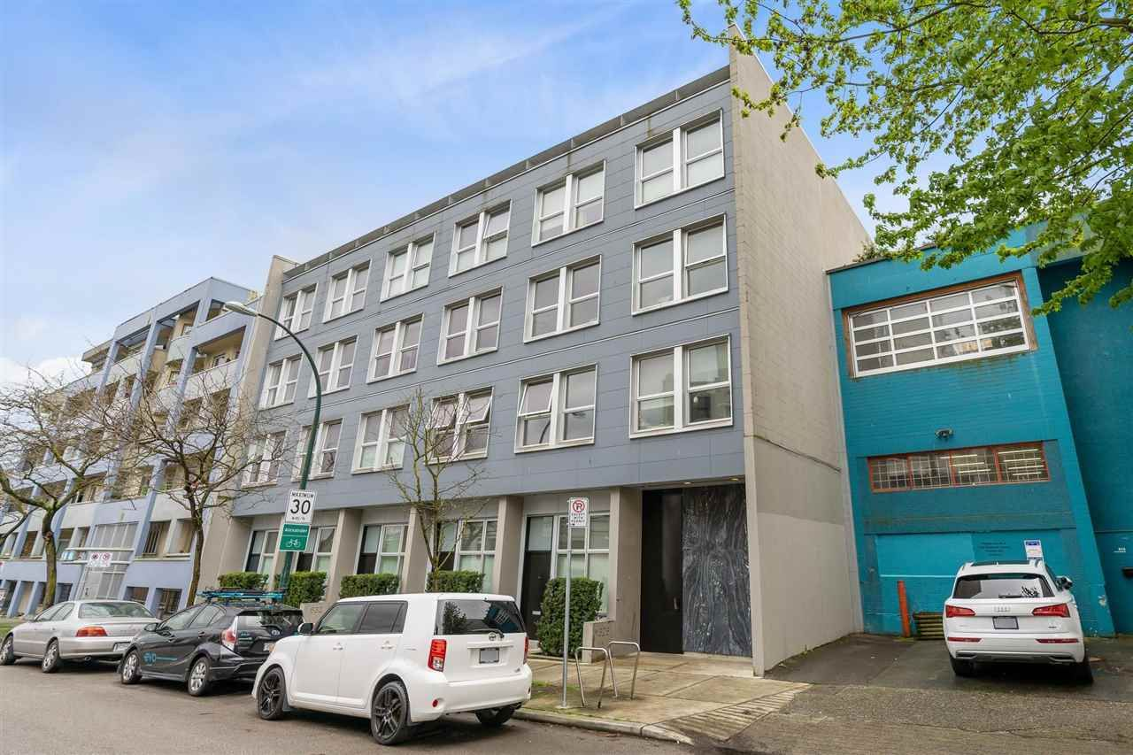 "Main Photo: 205 626 ALEXANDER Street in Vancouver: Strathcona Condo for sale in ""626 ALEXANDER"" (Vancouver East)  : MLS®# R2575719"