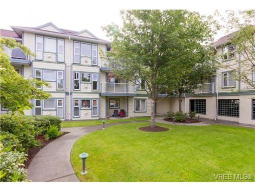 Main Photo: 205 400 Dupplin Rd in VICTORIA: SW Rudd Park Condo for sale (Saanich West)  : MLS®# 734375