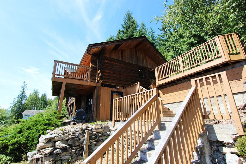 Photo 11: Photos: 8079 Squilax Anglemont Highway: St. Ives House for sale (North Shuswap)  : MLS®# 10179329