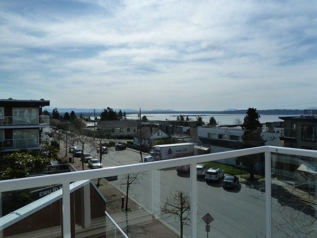 "Main Photo: 301 15213 PACIFIC Avenue: White Rock Condo for sale in ""PACIFIC VIEW"" (South Surrey White Rock)  : MLS®# F1407675"
