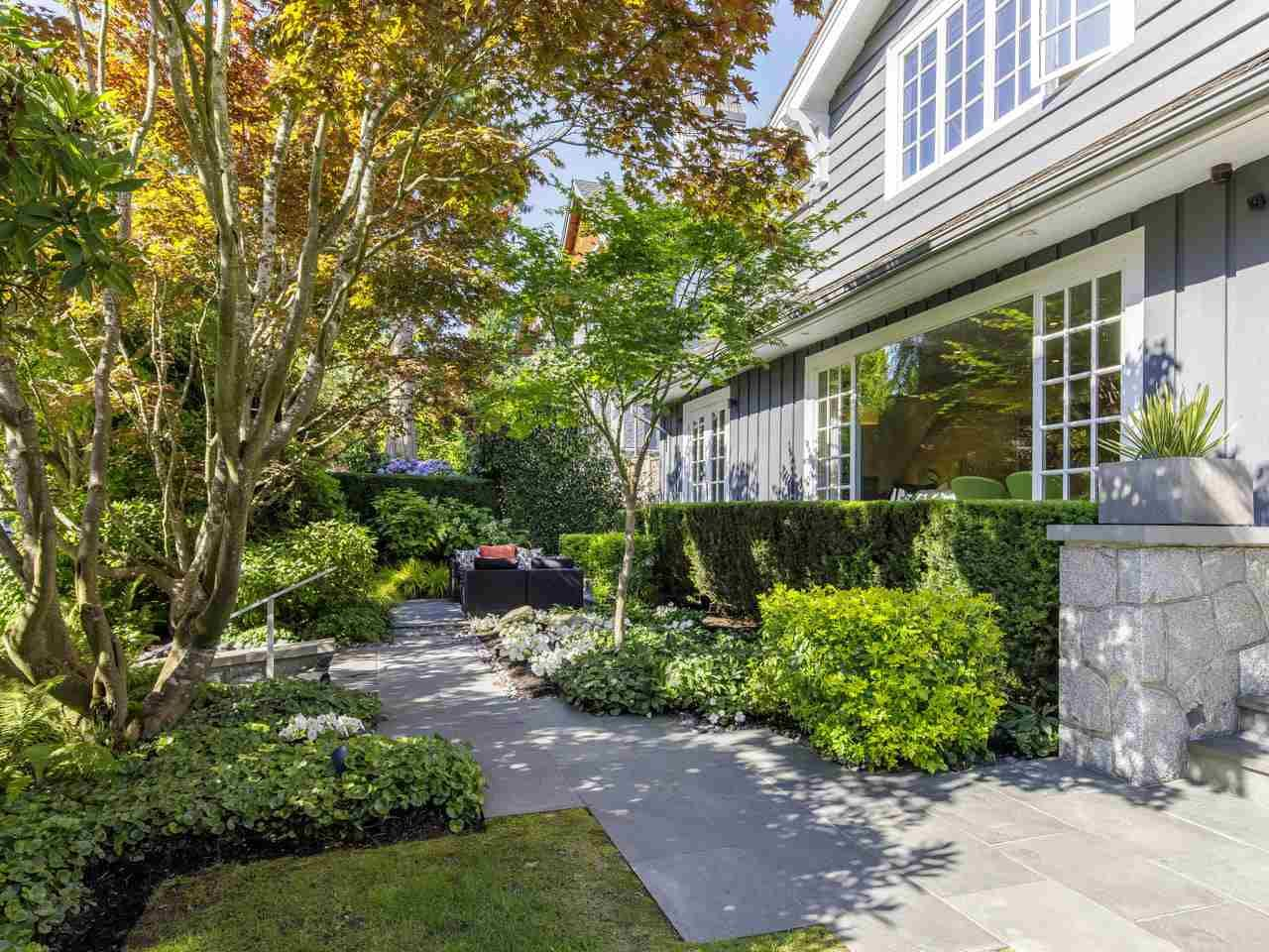 Main Photo: 6272 MACKENZIE STREET in Vancouver: Kerrisdale House for sale (Vancouver West)  : MLS®# R2477433