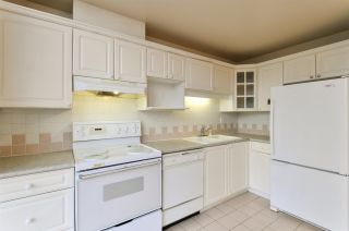 """Photo 7: 1901 6838 STATION HILL Drive in Burnaby: South Slope Condo for sale in """"BELGRAVIA"""" (Burnaby South)  : MLS®# R2285193"""