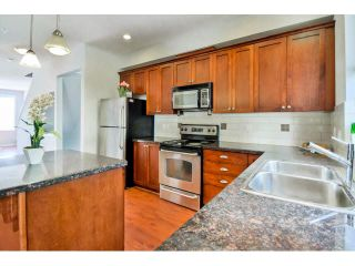 """Photo 9: 9 20159 68 Avenue in Langley: Willoughby Heights Townhouse for sale in """"VANTAGE"""" : MLS®# F1449062"""