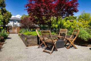 Photo 4: 2440 E GEORGIA STREET in Vancouver: Renfrew VE House for sale (Vancouver East)  : MLS®# R2581341