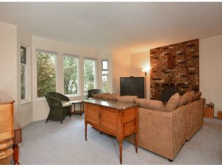 """Photo 2: 15909 GOGGS Avenue: White Rock House for sale in """"White Rock"""" (South Surrey White Rock)  : MLS®# F1424836"""