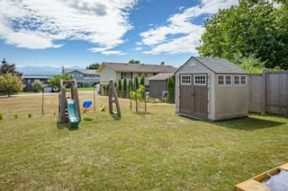 Photo 35: 2045 Beaufort Ave in : CV Comox (Town of) House for sale (Comox Valley)  : MLS®# 884580