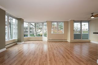"""Photo 2: 204 522 MOBERLY Road in Vancouver: False Creek Condo for sale in """"DISCOVERY QUAY"""" (Vancouver West)  : MLS®# R2126616"""