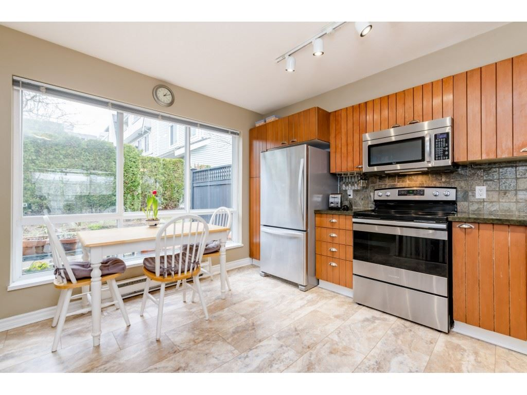 Photo 8: Photos: 6771 VILLAGE GRN in Burnaby: Highgate Townhouse for sale (Burnaby South)  : MLS®# R2439799