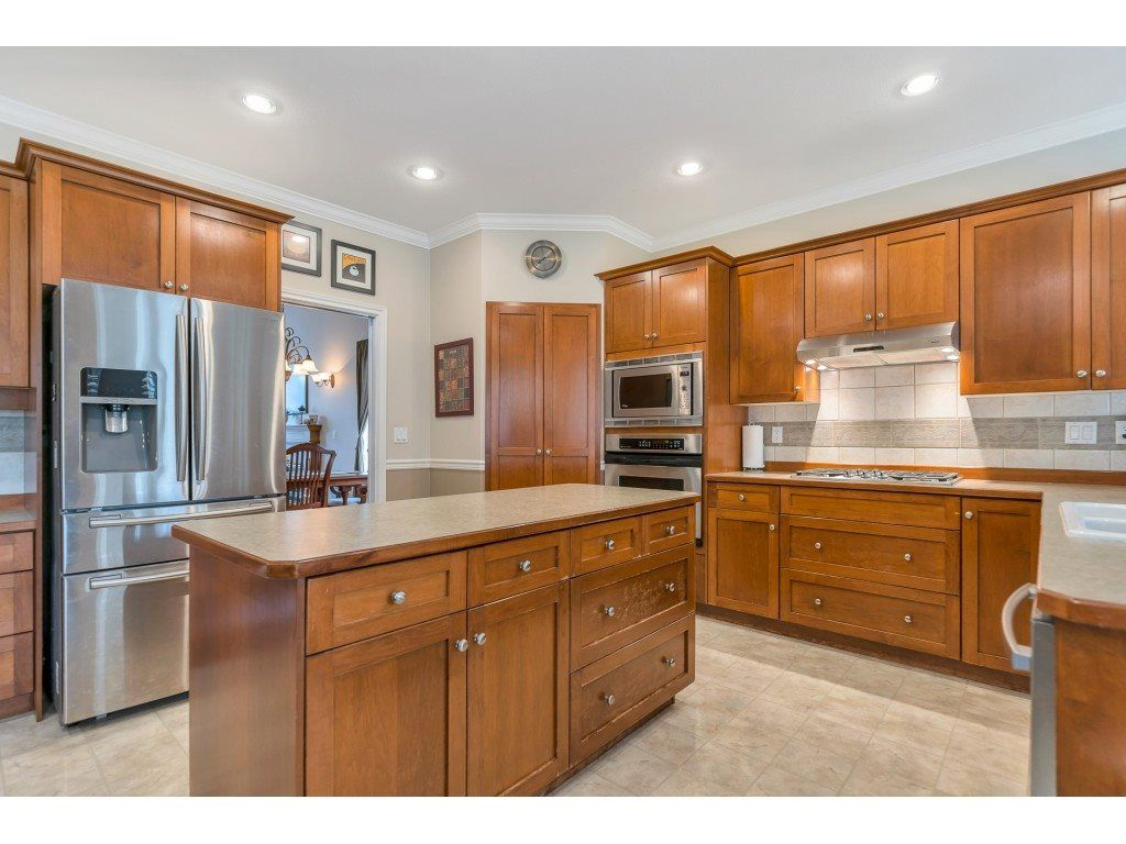 "Photo 11: Photos: 11617 CREEKSIDE Street in Maple Ridge: Cottonwood MR House for sale in ""Cottonwood"" : MLS®# R2554913"