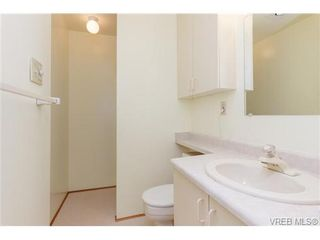 Photo 12: 515 Broadway St in VICTORIA: SW Glanford House for sale (Saanich West)  : MLS®# 712844