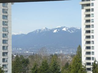 "Photo 9: 706 5790 PATTERSON Avenue in Burnaby: Metrotown Condo for sale in ""REGENT"" (Burnaby South)  : MLS®# R2445152"