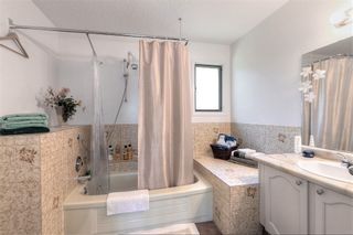 Photo 12: 2122 Michelle Court in West Kelowna: Lakeview Heights House for sale (Central Okanagan)  : MLS®# 10136096