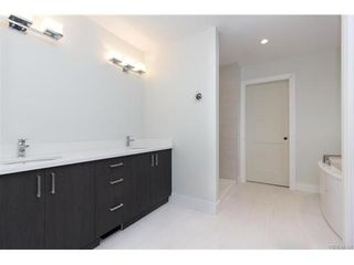 Photo 11: 819 Ashbury Ave in VICTORIA: La Olympic View House for sale (Langford)  : MLS®# 746742