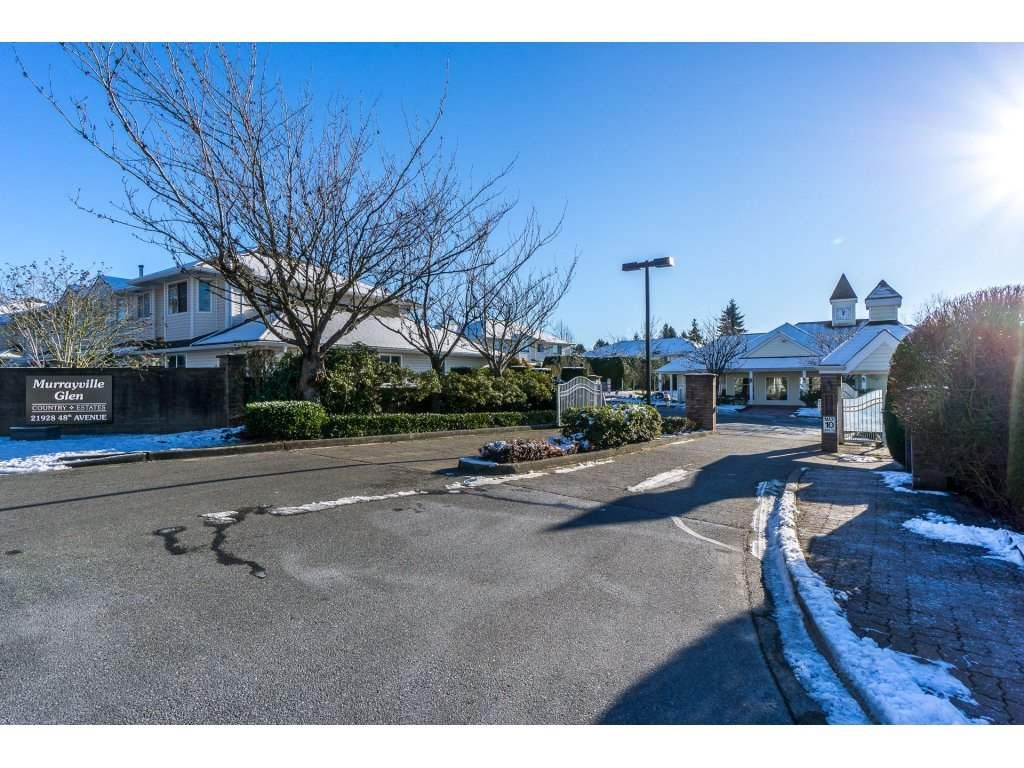 """Photo 2: Photos: 72 21928 48 Avenue in Langley: Murrayville Townhouse for sale in """"Murray Glen"""" : MLS®# R2229327"""