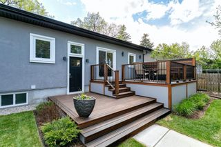 Photo 2: 18 Mayfair Road SW in Calgary: Meadowlark Park Detached for sale : MLS®# A1113322
