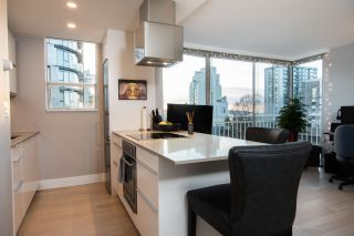 """Photo 10: 402 1250 BURNABY Street in Vancouver: West End VW Condo for sale in """"The Horizon"""" (Vancouver West)  : MLS®# R2529902"""