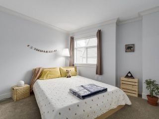 """Photo 15: 38 889 TOBRUCK Avenue in North Vancouver: Hamilton Townhouse for sale in """"TOBRUCK GARDENS"""" : MLS®# R2209623"""