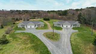Photo 1: 29-32 Ruby Place in Cambridge: 404-Kings County Multi-Family for sale (Annapolis Valley)  : MLS®# 202111578