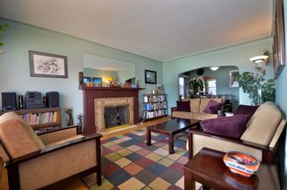 Photo 2: 2743 W 21ST Avenue in Vancouver: Arbutus House for sale (Vancouver West)  : MLS®# V943719