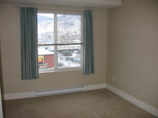 Photo 2: 404 - 256 HASTINGS AVENUE in PENTICTON: Residential Attached for sale : MLS®# 140039