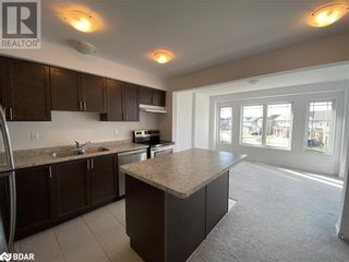 Photo 2: 67 FRANK'S Way in Barrie: House for lease : MLS®# 40164406