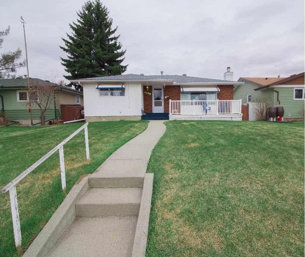 Main Photo: 6508 89 Avenue in Edmonton: Zone 18 House for sale : MLS®# E4241272