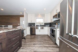 Photo 11: 31 Menno Bay in Winnipeg: Valley Gardens Residential for sale (3E)  : MLS®# 202116366
