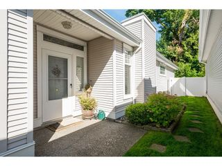 """Photo 6: 27 20770 97B Avenue in Langley: Walnut Grove Townhouse for sale in """"Munday Creek"""" : MLS®# R2594438"""