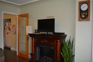 Photo 4: 2028 E 42ND AVENUE in Vancouver: Killarney VE House for sale (Vancouver East)  : MLS®# R2045582