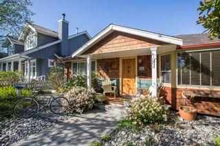 "Photo 2: 2847 GORDON Avenue in Surrey: Crescent Bch Ocean Pk. House for sale in ""CRESENT BEACH VILLAGE"" (South Surrey White Rock)  : MLS®# R2566027"