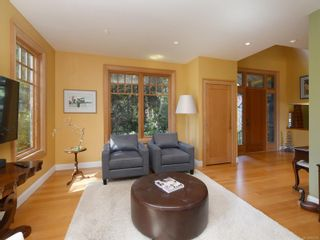 Photo 2: 4533 Rithetwood Dr in : SE Broadmead House for sale (Saanich East)  : MLS®# 871778
