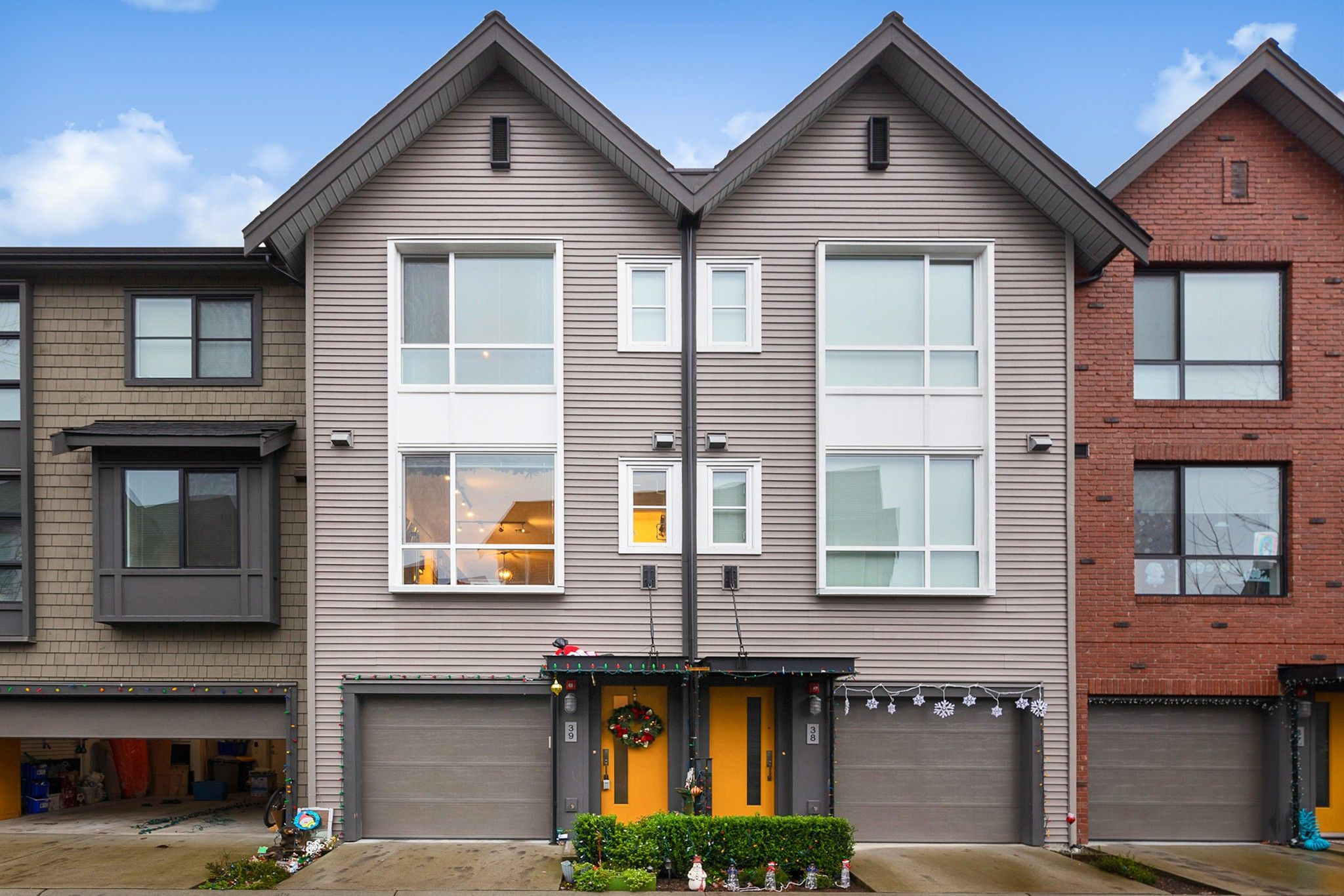 """Main Photo: 39 2380 RANGER Lane in Port Coquitlam: Riverwood Townhouse for sale in """"FREEMONT INDIGO"""" : MLS®# R2522566"""