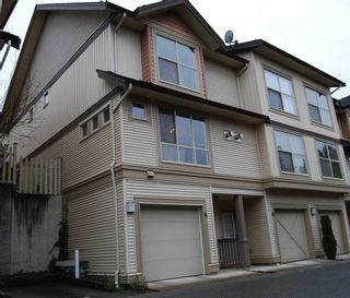 """Photo 1: 44 20350 68TH Avenue in Langley: Willoughby Heights Townhouse for sale in """"Sunridge"""" : MLS®# R2033655"""