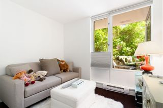 """Photo 13: 202 1033 MARINASIDE Crescent in Vancouver: Yaletown Condo for sale in """"QUAYWEST"""" (Vancouver West)  : MLS®# R2623495"""