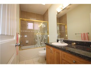 """Photo 11: 7330 ONTARIO Street in Vancouver: South Vancouver House for sale in """"LANGARA"""" (Vancouver East)  : MLS®# V1079801"""