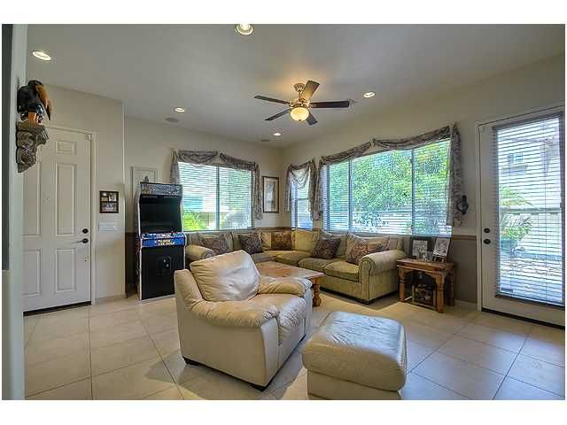 Photo 5: Photos: SCRIPPS RANCH Townhouse for sale : 3 bedrooms : 11821 Miro Circle in San Diego