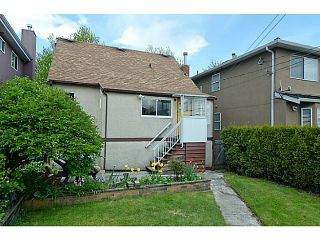 """Photo 11: 2840 TRIUMPH Street in Vancouver: Hastings East House for sale in """"Hastings Sunrise"""" (Vancouver East)  : MLS®# V1033921"""